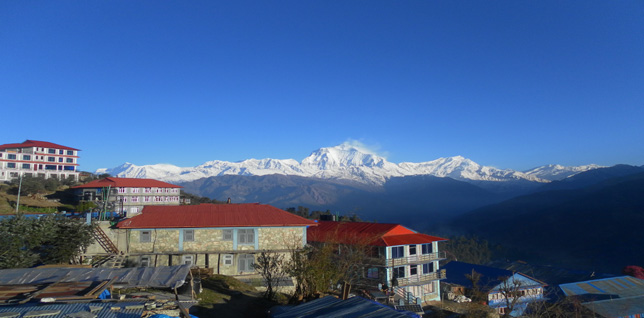 Good trekking lodges in Ghorepani -  himaland.com