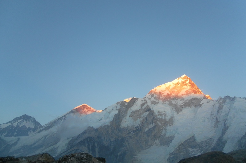 First Sunrays on Mt. Everest -  himaland.com