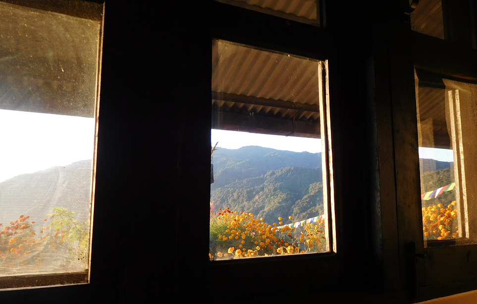 Scenic view through lodge window -  himaland.com