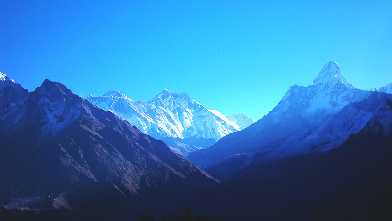 Mt. Everest and Amadablam -  himaland.com