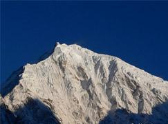 Naya Kanga (Ganja-la Chuli) climbing